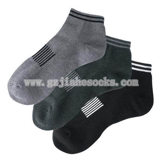 Pure color and cotton sport socks